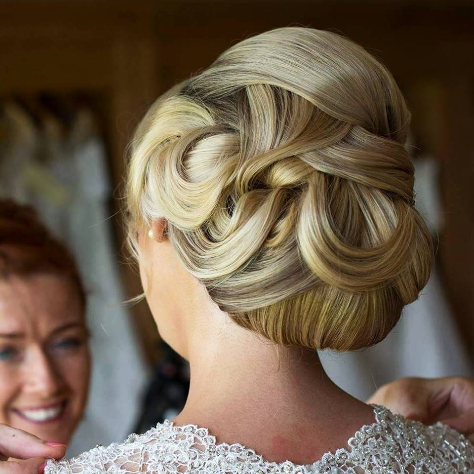 Back of brides hair